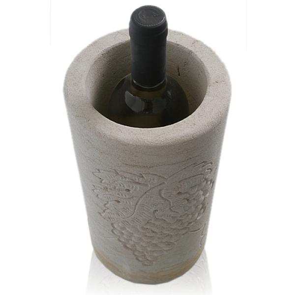sandstein weink hler mit handgearbeitetem relief. Black Bedroom Furniture Sets. Home Design Ideas